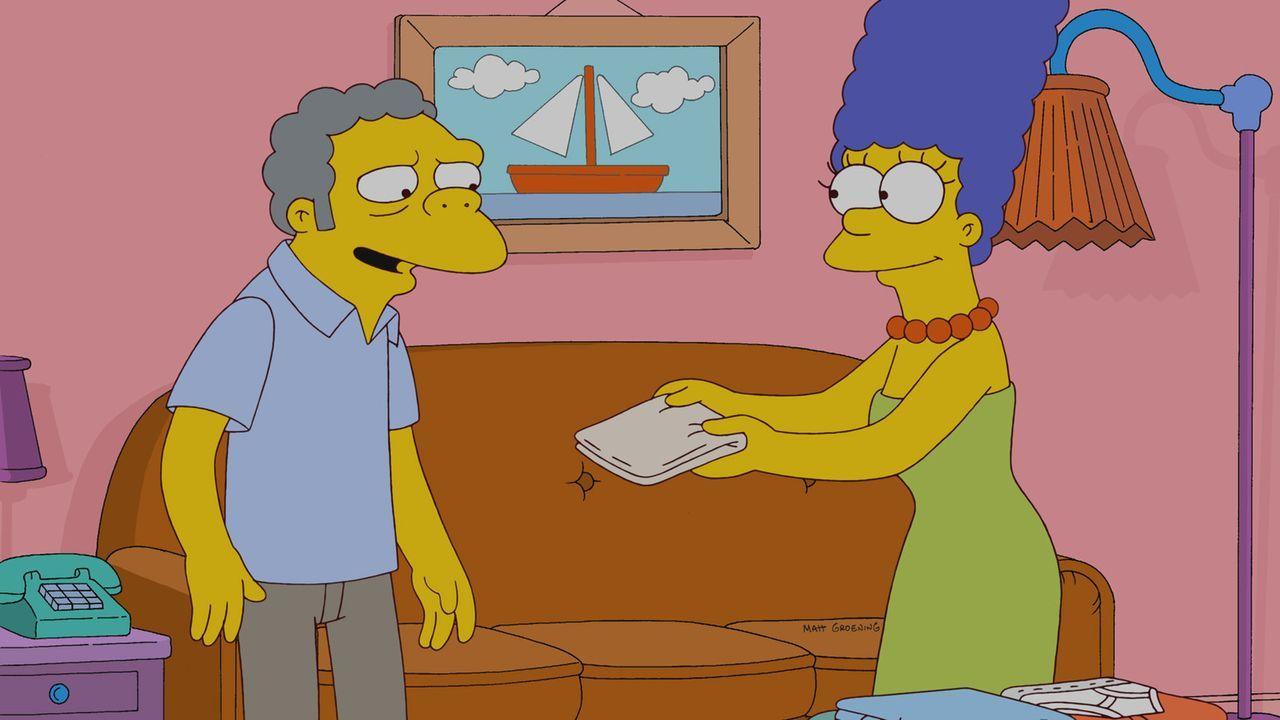 Moe (l.) muss feststellen, dass er in Marge (r.) eine gute Freundin hat ... - Bildquelle: und TM Twentieth Century Fox Film Corporation - Alle Rechte vorbehalten