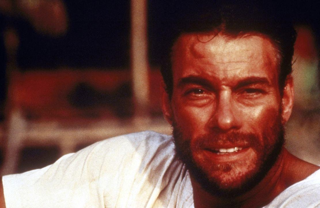 Der junge amerikanische Straßenartist Chris Dubois (Jean-Claude van Damme) erlernt in Asien die Technik des Muay-Thai-Kickboxens ... - Bildquelle: Universal Pictures