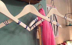 Kleiderbügel 1