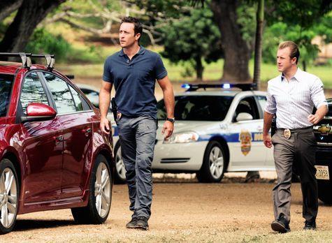Hawaii Five-0 - Ein neuer Mordfall wartet auf Steve (Alex O'Loughlin, l.) und...