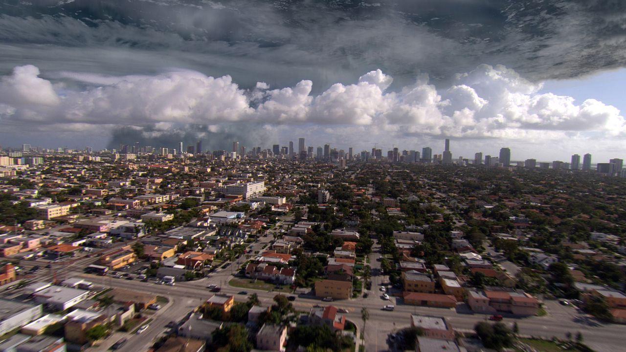Das Team erhält den Auftrag, den Hurrikan Grace, der Miami bedroht, auf einen ungefährlichen Kurs zu lenken ... - Bildquelle: BBC