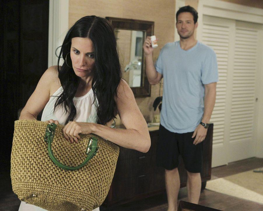 Durch seinen Kinderwunsch, stellt Grayson (Josh Hopkins, r.) die Beziehung zu Jules (Courteney Cox, l.) auf eine harte Probe ... - Bildquelle: 2010 ABC INC.
