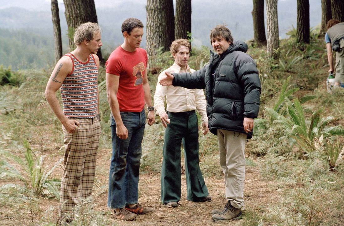 Regieanweisungen von Steven Brill, r. an die drei Hauptdarsteller (v.l.n.r.) Tom (Dax Shepard), Jerry (Matthew Lillard) und Dan (Seth Green) … - Bildquelle: Paramount Pictures