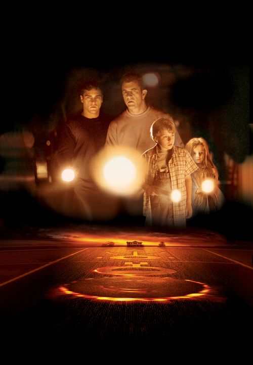 Signs - Zeichen (v.l.n.r.: Joaquin Phoenix, Mel Gibson, Rory Culkin, Abigail Breslin) - Bildquelle: Touchstone Pictures