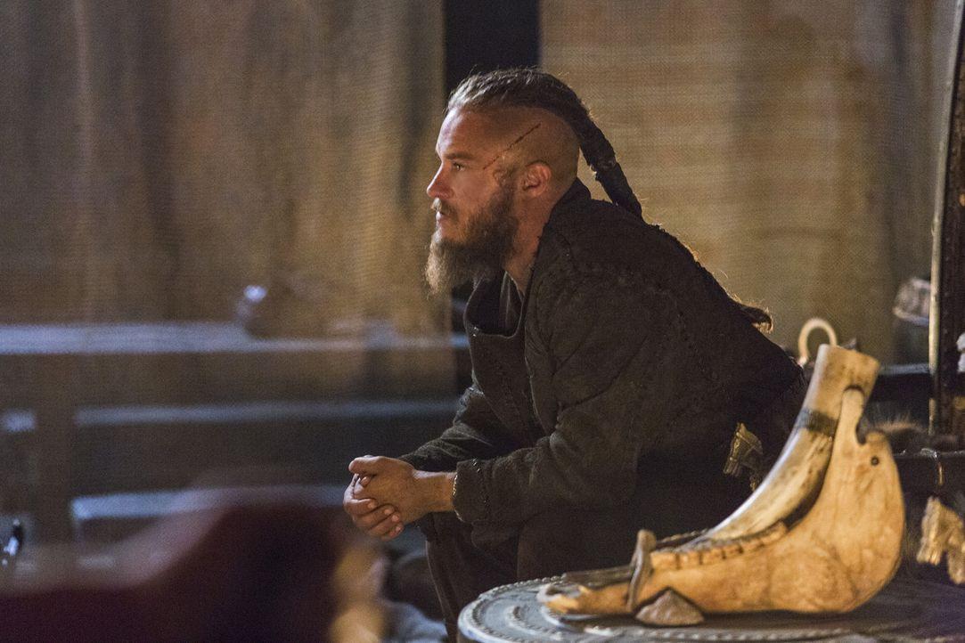 Ist zwischen Lagertha und der schönen Aslaug hin- und hergerissen: Ragnar (Travis Fimmel) ... - Bildquelle: 2014 TM TELEVISION PRODUCTIONS LIMITED/T5 VIKINGS PRODUCTIONS INC. ALL RIGHTS RESERVED.