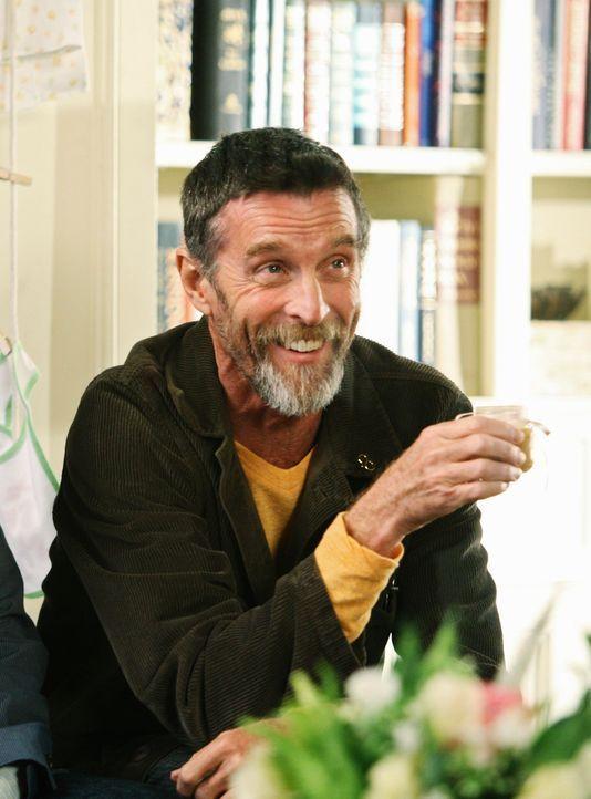 Die Walker-Familie lernt endlich Sauls geheim gehaltenen Freund kennen: Henry (John Glover) ... - Bildquelle: 2008 ABC INC.
