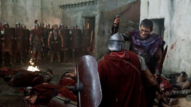 Nach dem Verrat der Piraten muss sich Spartacus (Liam McIntyre) den Weg freik...