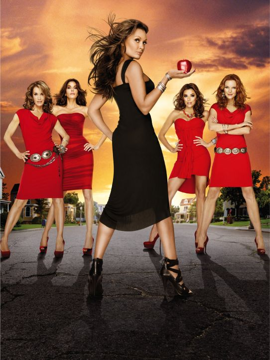 (7. Staffel) - Unterschätze nie eine Hausfrau: Lynette (Felicity Huffman, l.), Bree (Marcia Cross, r.), Gabrielle (Eva Longoria, 2.v.r.), Susan (Ter... - Bildquelle: ABC Studios