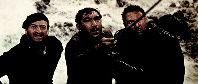 Die Kanonen von Navarone - Miller (David Niven, l.) Andrea (Anthony Quinn, M....