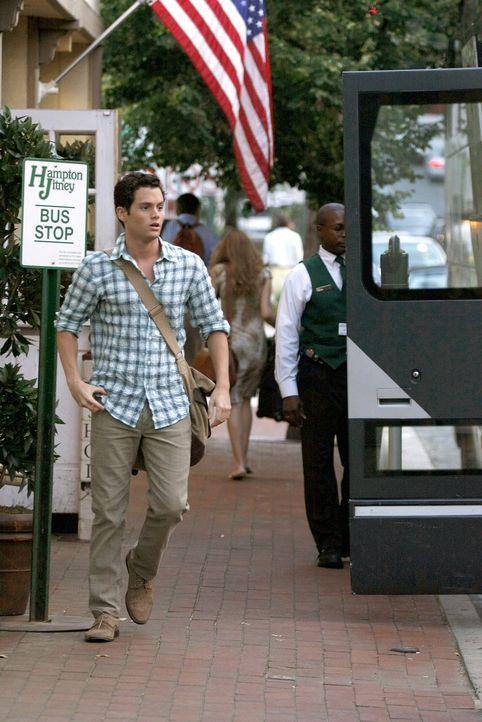 Die langen, einsamen Sommermonate konnte Dan (Penn Badgley) seine Serena einfach nicht vergessen. Nun macht er sich auf den Weg in die Hamptons, um... - Bildquelle: Warner Brothers