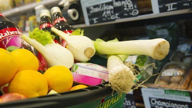 Einkaufen Gemüse Obst Supermarkt_dpa