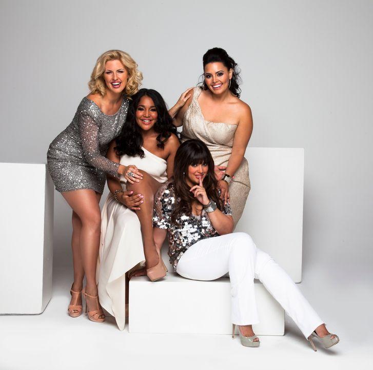 (1. Staffel) - Ivory (l.), Lornalitz (2.v.l.), Denise (2.v.r.), Rosie (r.) sind stolz auf ihre Kurven, doch nicht immer waren sie so zufrieden mit i... - Bildquelle: MMXII SiTv, Inc. All rights reserved.