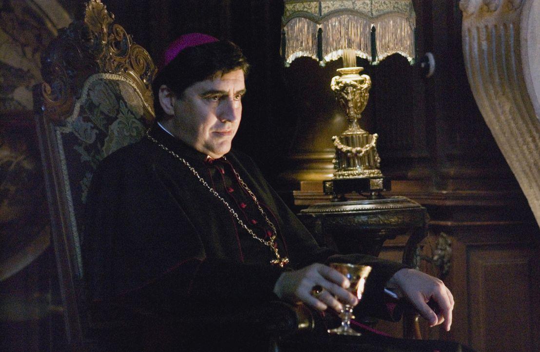 Niemand darf an den Grundfesten der katholischen Kirche rütteln! Bischof Manuel Aringarosa (Alfred Molina) sorgt dafür, dass das geheime Wissen de... - Bildquelle: Sony Pictures Television International. All Rights Reserved.