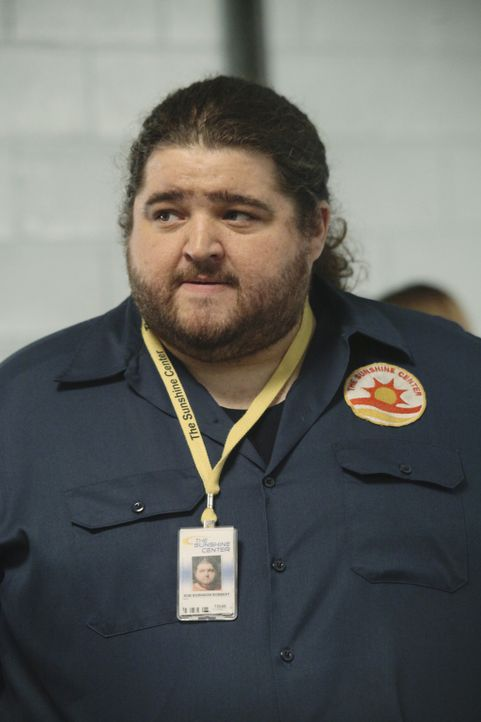 "Bobert (Jorge Garcia) arbeitet in der runtergekommenen Sport-Arena ""The Sunshine Center"" in San Diego, wo er die Schikanen seines Chefs schon seit J... - Bildquelle: Sony Pictures Television Inc. All Rights Reserved."
