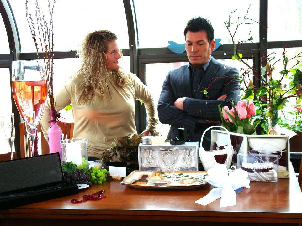 """Braut Kristi liebt die Weinsorte """"Pink Merlot"""" so sehr, dass das e... - Bildquelle: Pilgrim Studios 2009"""