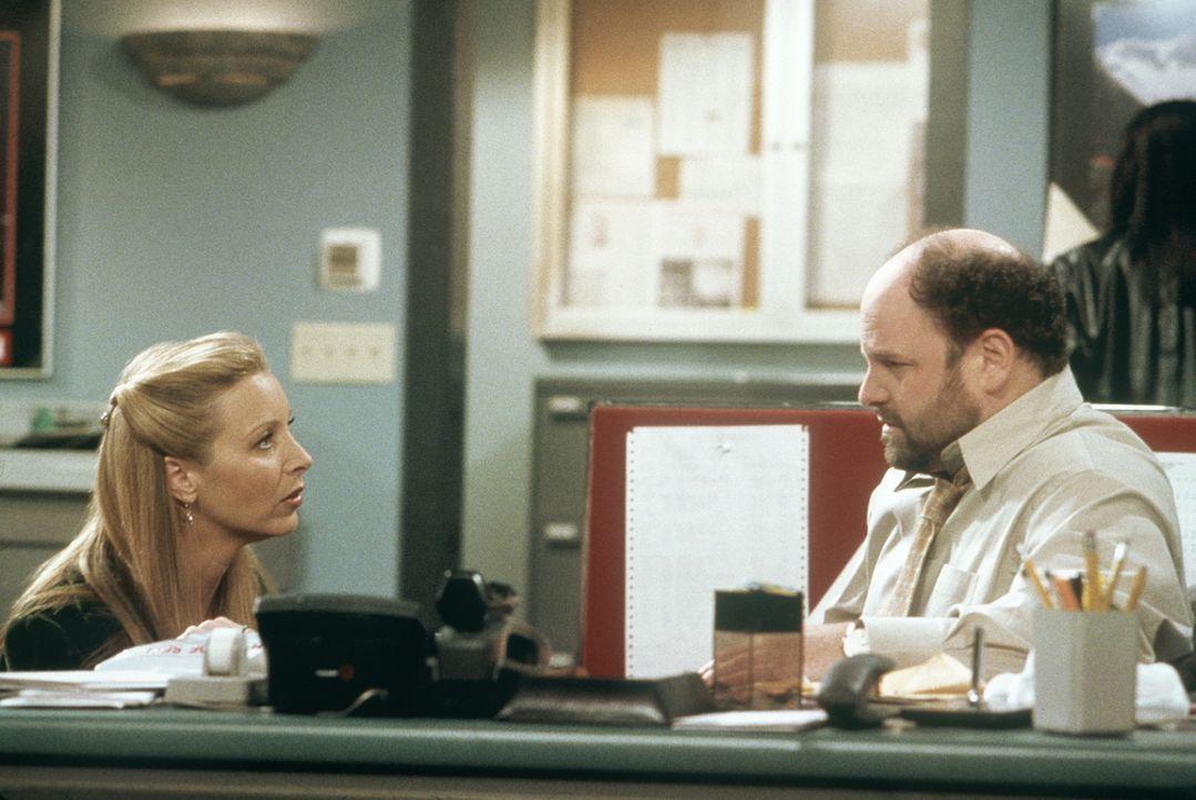 Phoebe (Lisa Kudrow, l.) will verhindern, dass der nette Firmenchef Earl (Jason Alexander, r.) Selbstmord begeht. - Bildquelle: TM+  2000 WARNER BROS.