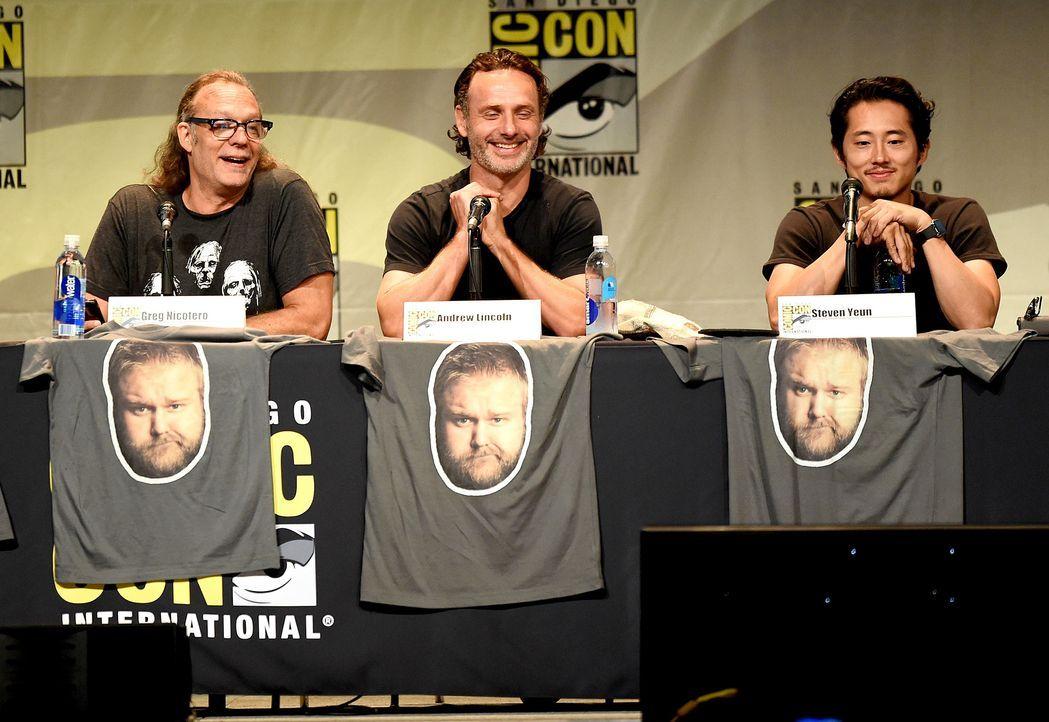 Comic-Con-2015-09-TWD-nicotero-lincoln-yeun-getty-AFP - Bildquelle: getty-AFP