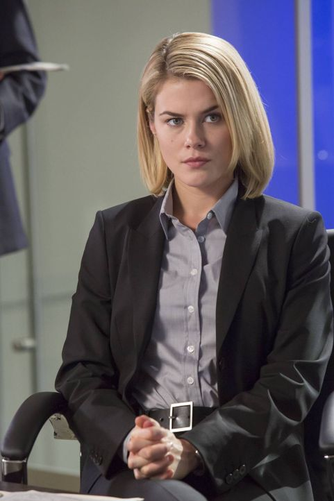 Ermittelt gemeinsam mit ihrem Kollegen Secret Service-Agent Marcus Finley auf eigene Faust, um herauszufinden, was das CIA mit der Entführung zu tun... - Bildquelle: 2013-2014 NBC Universal Media, LLC. All rights reserved.