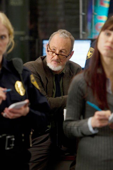 Zusammen mit Detective Gassner (Robert Englund) versucht das Team, einen neuen Mordfall aufzudecken ... - Bildquelle: ABC Studios
