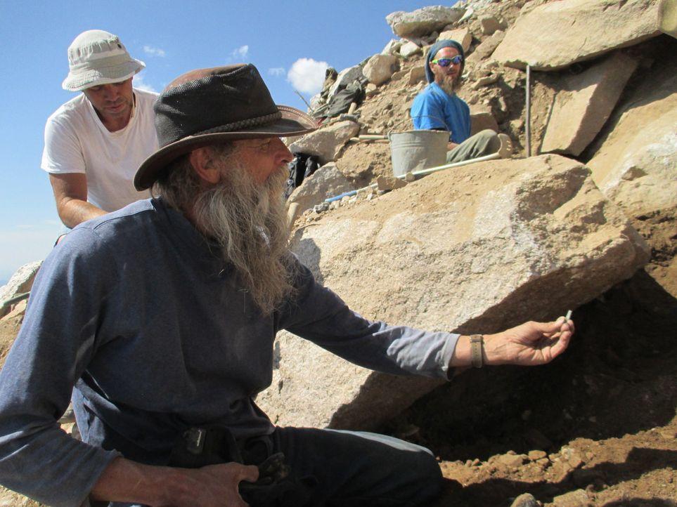 Kann Dwayne trotz eines Felsens, der seine Mine versperrt, wertvolle Edelsteine finden? - Bildquelle: High Noon Entertainment, 2015