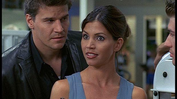 Cordelia (Charisma Carpenter, M.) fühlt sich von Angel (David Boreanaz, l.) i...