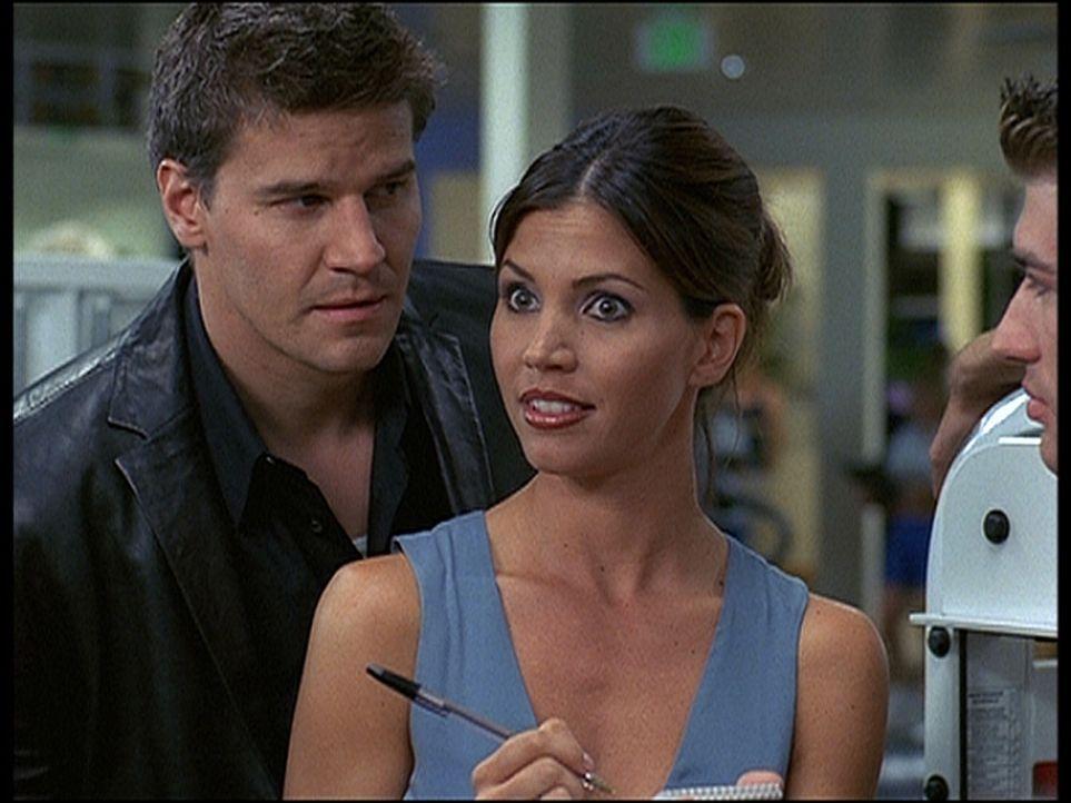 Cordelia (Charisma Carpenter, M.) fühlt sich von Angel (David Boreanaz, l.) in ihren Ermittlungen gestört. - Bildquelle: 20th Century Fox. All Rights Reserved.