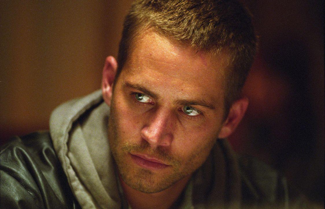 Kleinganove Joey (Paul Walker) soll als Scherge der Mafia eine Mordwaffe beseitigen - und kriegt richtig viel Prügel ...