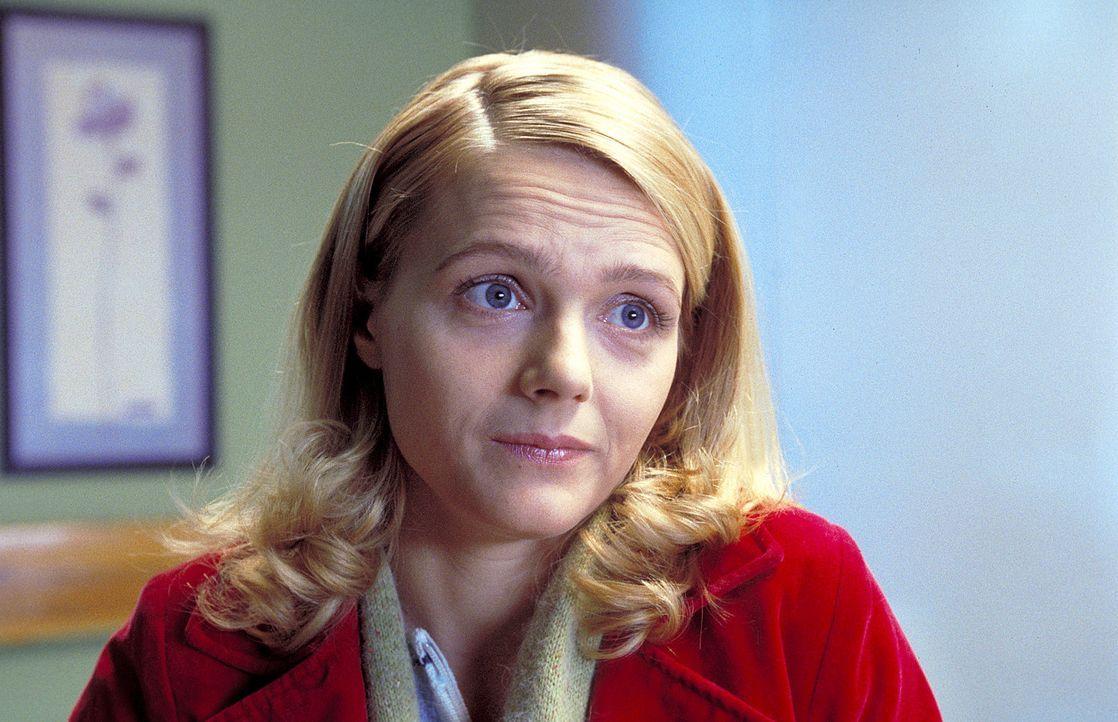 Die attraktive, doch schüchterne Therapeutin Sarah (Laura Schuhrk) möchte Daniel mehr als nur eine gute Freundin sein. Doch Daniel hängt noch sta... - Bildquelle: ProSieben/Rabold
