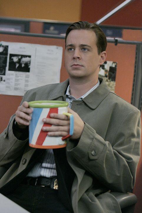 Wartet auf seinen Einsatz: McGee (Sean Murray) ... - Bildquelle: CBS Television