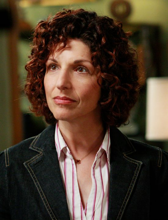 Entscheidet über die Zukunftsgestaltung von Robert und Kitty: Sozialarbeiterin Carla Hanson (Cathy Ladman) ... - Bildquelle: 2008 ABC INC.
