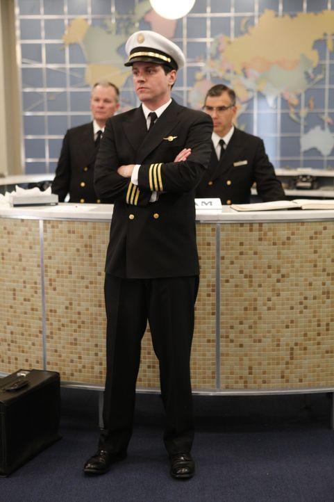In Rio de Janeiro wird Ted (Michael Mosley, M.) erneut schmerzlich bewusst, dass er eben nur der Co-Pilot ist ... - Bildquelle: 2011 Sony Pictures Television Inc.  All Rights Reserved.