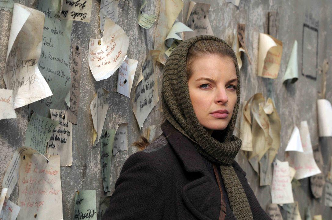 Nach dem Tod ihrer Eltern durch die Nazis engagiert sich die junge Ellen (Yvonne Catterfeld) in der Widerstandsbewegung. Als sie den jungen englisch... - Bildquelle: Nicolas Maack SAT.1