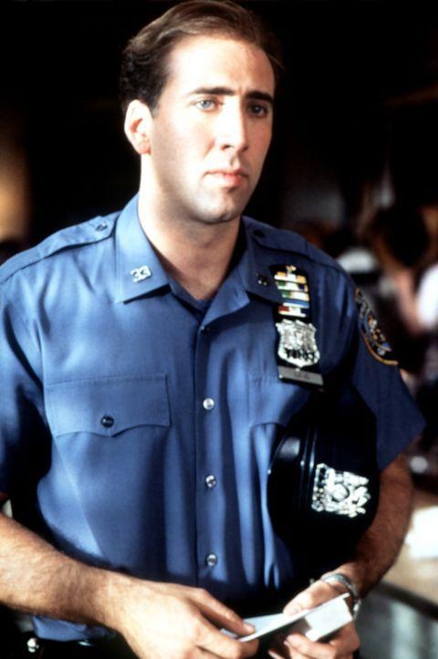 Noch ahnt der New Yorker Cop Charlie (Nicolas Cage) nicht, dass der kleine Lottoschein in seinen Händen, sein Leben grundlegend verändern wird ... - Bildquelle: Columbia TriStar
