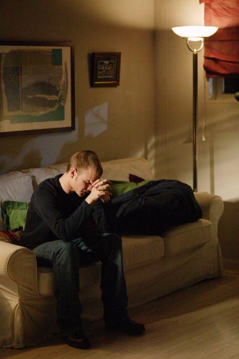 Simon (David Gallagher) befürchtet, sich bei einem One-Night- Stand eine Geschlechtskrankheit eingefangen zu haben ... - Bildquelle: The WB Television Network