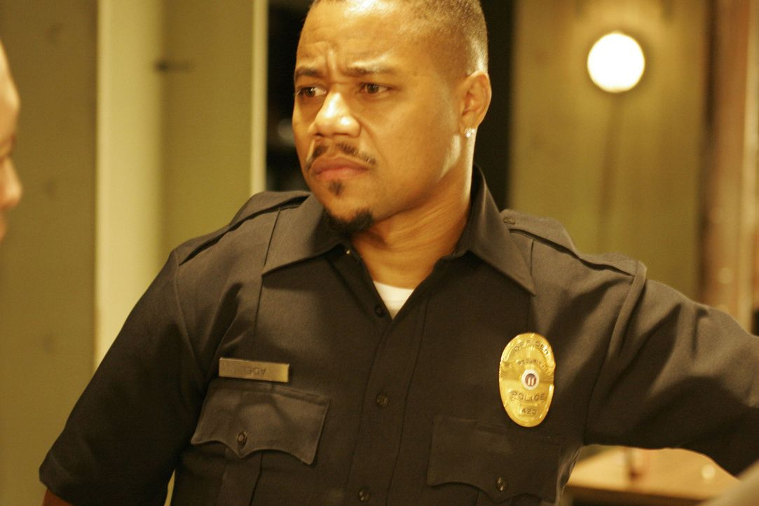 Es gibt nichts Gefährlicheres als einen Gangster mit einer Polizeimarke: Detective Salim Adel (Cuba Gooding Jr.) ... - Bildquelle: Sony Pictures Television International. All Rights Reserved.