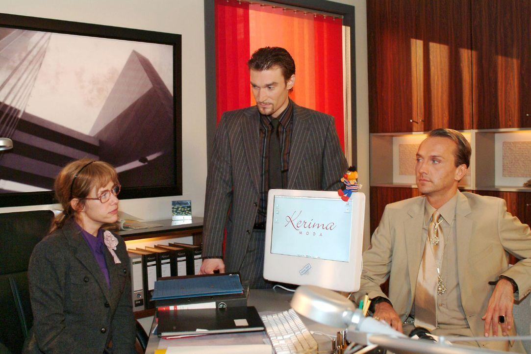 Lisa (Alexandra Neldel, l.) erkennt, dass Richard (Karim Köster, M.) hinter ihrem Rücken etwas plant. Hugo (Hubertus Regout, r.) ist misstrauisch,... - Bildquelle: Monika Schürle Sat.1