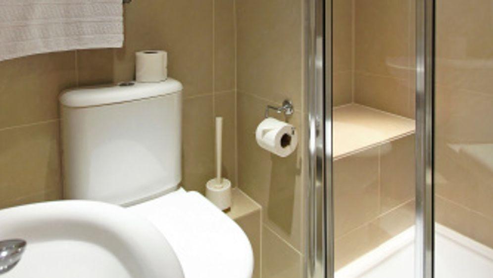 Badezimmerfliesen, die den Raum größer wirken lassen - Bildquelle: iStock