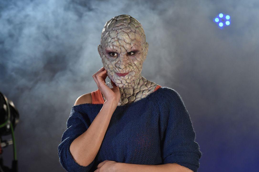 Schön ist anders: Kann Eliza auch als Steinfrau ihren Date-Partner von sich überzeugen? - Bildquelle: Andre Kowalski Sixx