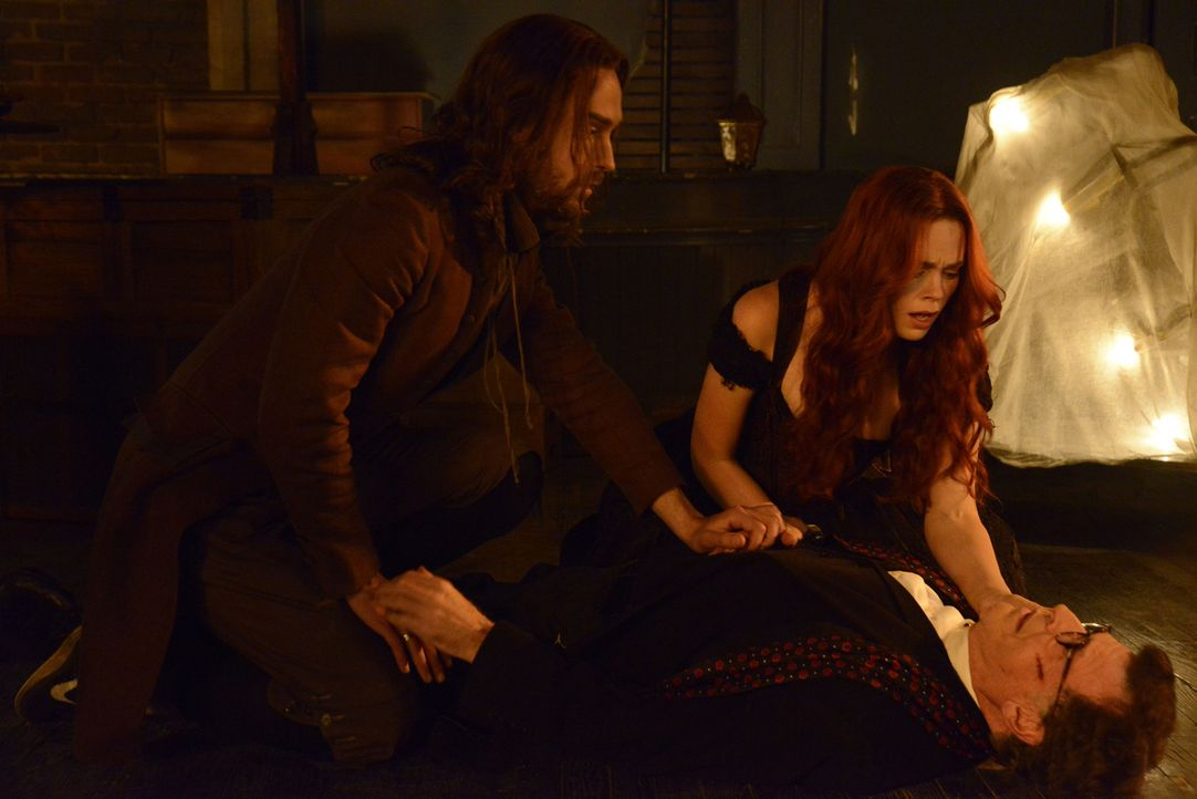 Alles andere als eine glückliche Familie: Ichabod (Tom Mison, l.), Katrina (Katia Winter, M.) und Henry (John Noble, r.) ... - Bildquelle: 2014 Fox and its related entities. All rights reserved