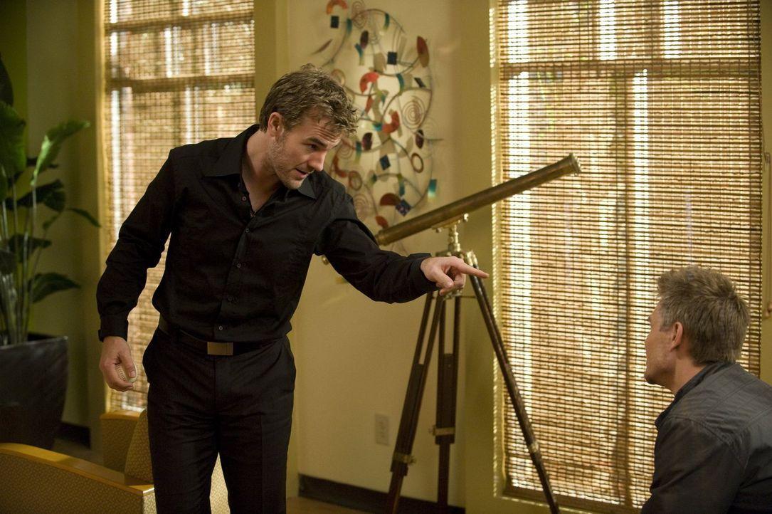 Lucas (Chad Michael Murray, r.) ist in L.A., um seinen Film weiter vorzubereiten. Wird er den Schauspieler Dixon (James Van Der Beek, l.) von seinem... - Bildquelle: Warner Bros. Pictures
