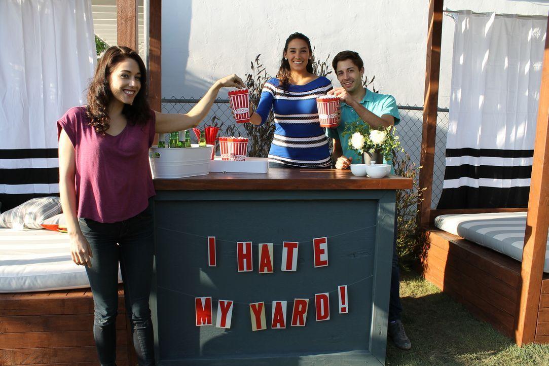 Eine Bar und ein Kino unter freiem Himmel sind nur einige Wünsche von Shawn (r.) und seiner Schwester Jade (l.). Kann Sara (M.) alle Vorstellungen i... - Bildquelle: 2014, DIY Network/Scripps Networks, LLC. All RIghts Reserved.
