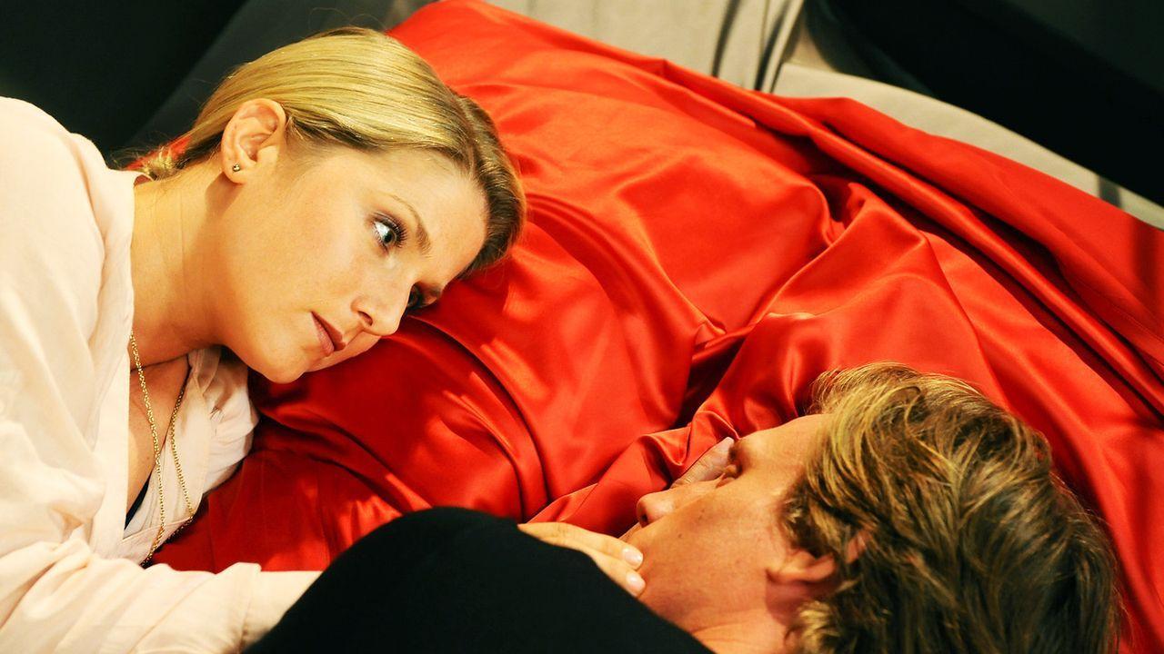 Anna-und-die-Liebe-Folge-761-04-Sat1-Claudius-Pflug - Bildquelle: SAT.1/Oliver Ziebe