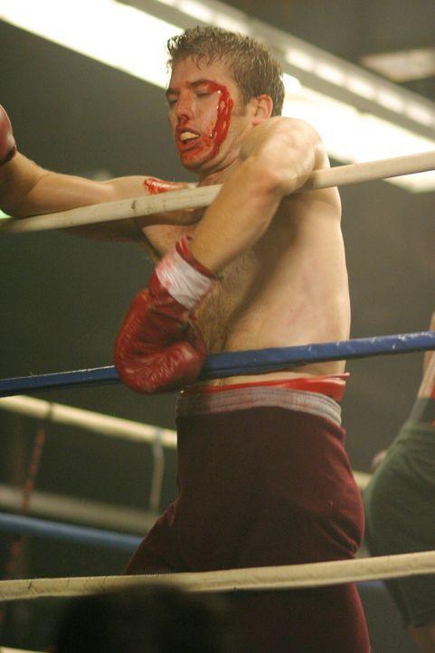 1976: Jerry Stone (Mark Lawson) ist schon schwer angeschlagen, doch noch wurde der Kampf noch nicht abgebrochen ... - Bildquelle: Warner Bros. Television