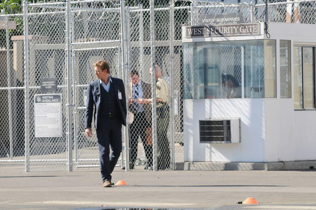 Ein neuer Fall stellt Patrick Jane (Simon Baker) vor eine schwere Entscheidung ... - Bildquelle: Warner Bros. Television