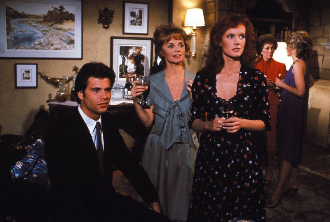 (1. Staffel) - Überall lauern Gefahren Lance (Lorenzo Lamas, l.), seine Tante Emma (Margaret Ladd, M.) und seine Cousine Victoria (Jamie Rose, r.) w...