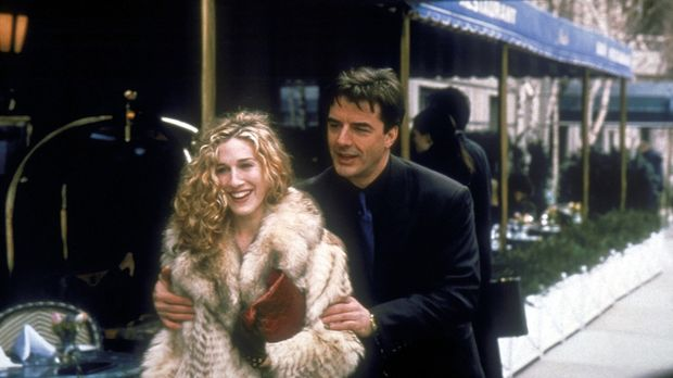 Carrie (Sarah Jessica Parker, l.) und Mr. Big (Christopher Noth, r.), die sic...