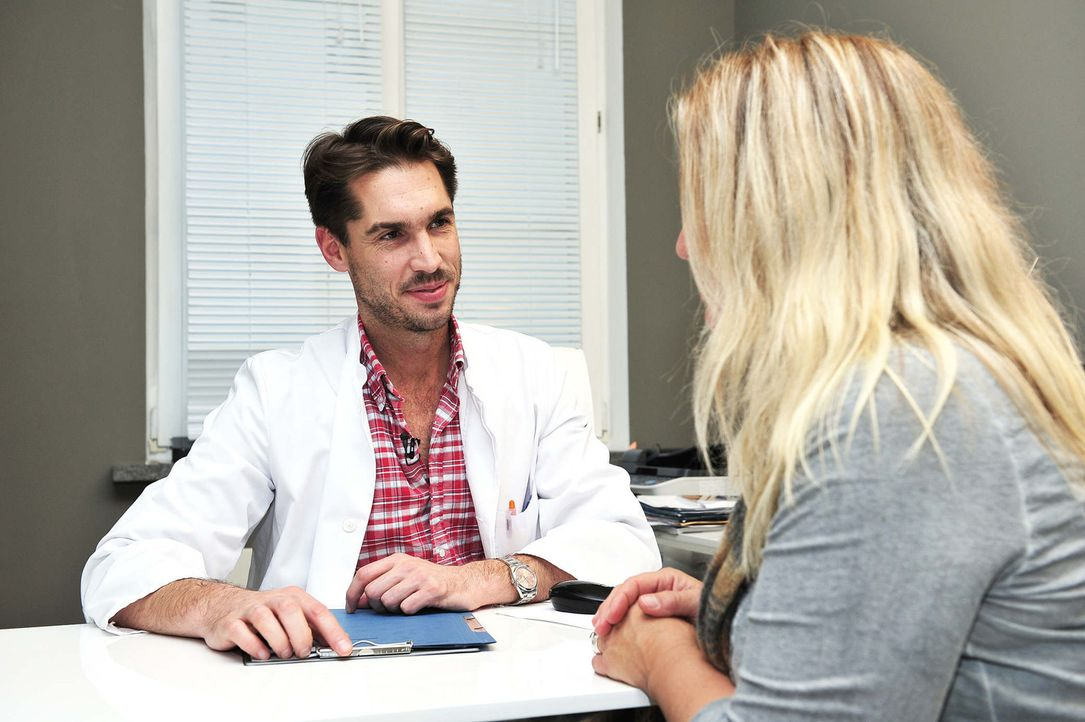 Beauty Docs: Schönheitschirurg Doktor Rippmen im Gespräch - Bildquelle: sixx Andre Kowalski