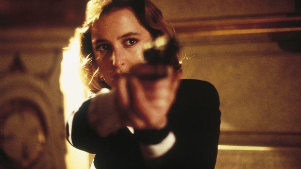 Die Ermittlungen führen Scully (Gillian Anderson) und Mulder zu einem zwielic...