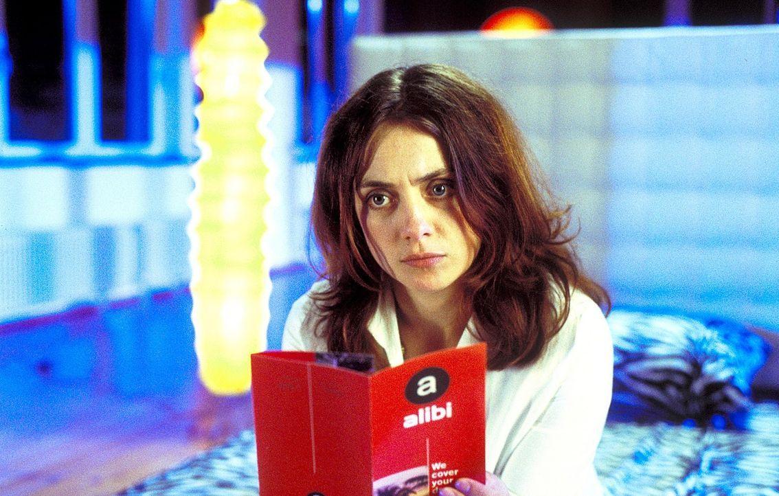 Obwohl von ihrer letzten großen Liebe sehr enttäuscht, glaubt Andrea (Julia Richter) nach wie vor an den perfekten Traummann. Sie ist sich ziemlich sicher, dass Eric diesem Bild nicht entspricht ...