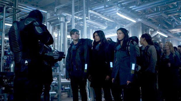 Die Zukunft von (v.l.n.r.)  Josh Shannon (Landon Liboiron), Elisabeth Shannon...